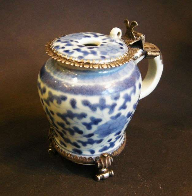 "Mustard pot porcelain ""blue and white"""